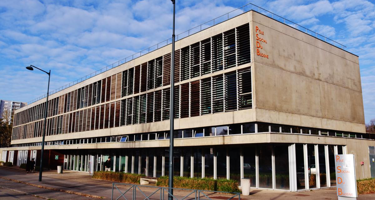Entrée du Centre Social Ty-Blosne situé dans l'Espace Social du Blosne