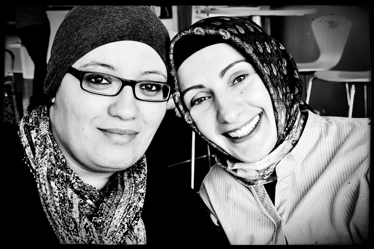 Khadija (à gauche) et Arzu (à droite)