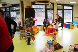 pendant les vacances, les enfants profitent du centre de loisirs