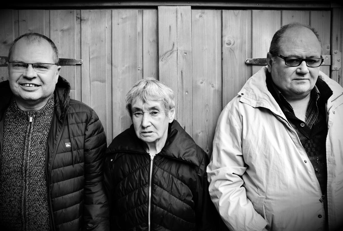 trois bénévoles engagés dans le jardin de square de Cleunay